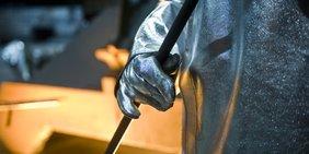 Ein Metallarbeiter bei der Arbeit
