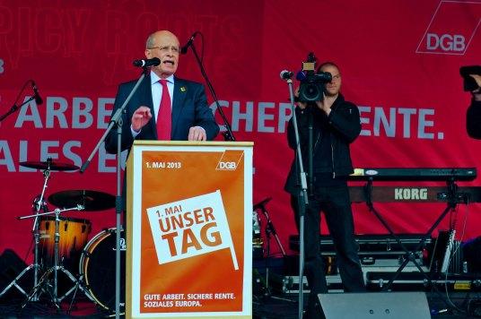 Berthold Huber, IG Metall, auf Kundgebung in Stuttgart