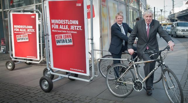 Reiner Hoffmann, Michael Sommer vor dem DGB-Haus