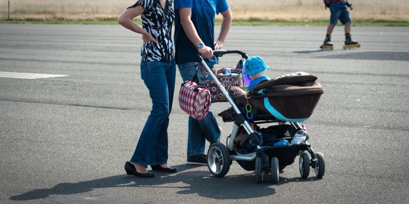 junge Familie mit Kind