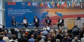 Podium bei der 2. Makronokonomischen Konferenz von DGB, FES und IMK