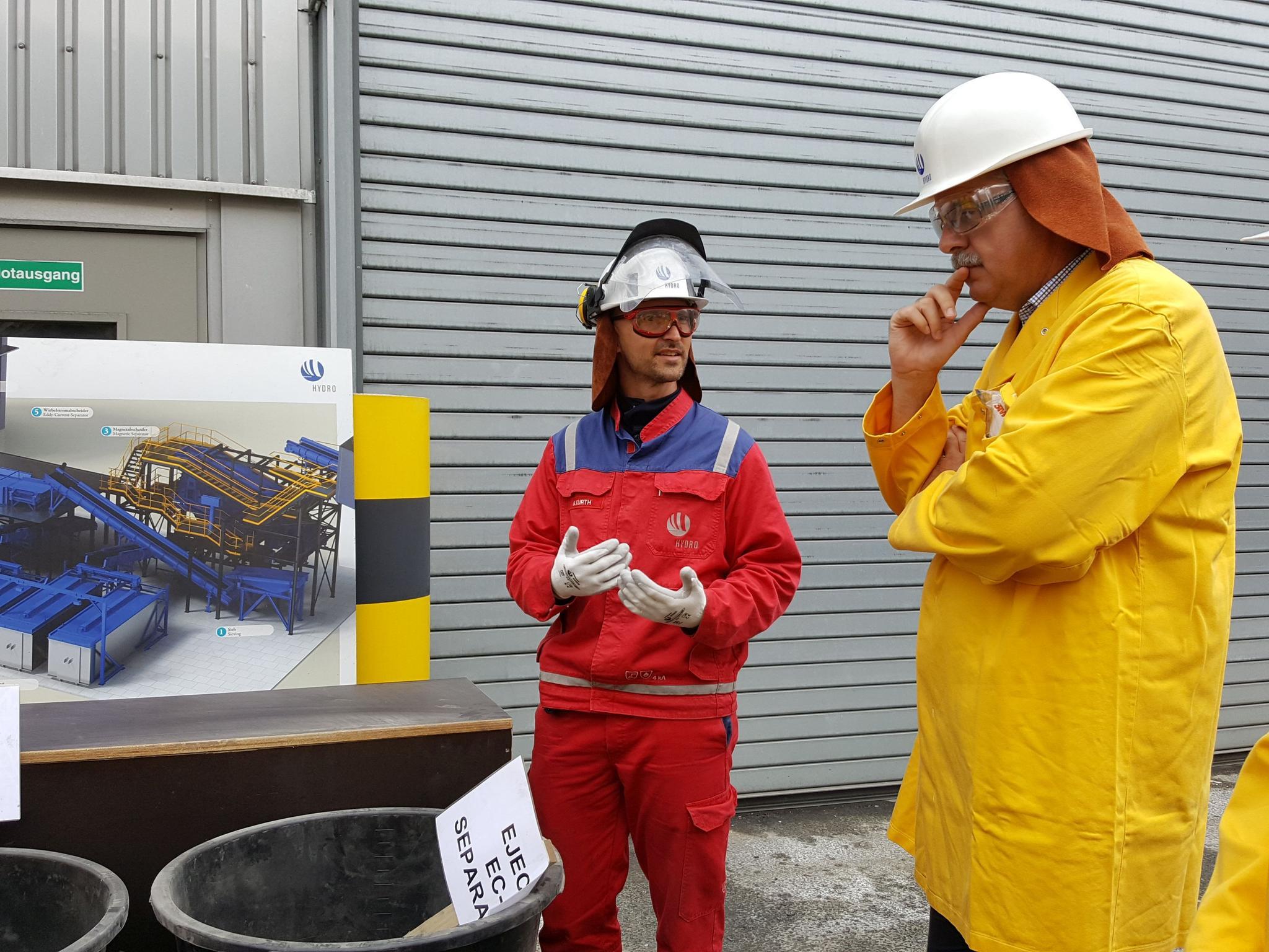 Stefan Körzell zu Besuch bei Hydro Aluminium