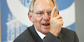 Wolfgang Schäuble; Wolfgang Schäuble als Bundesinnenminister auf dem Schöneberger Forum des DGB im Jahr 2007