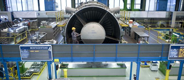 Blick in Montagehalle für Turbinen