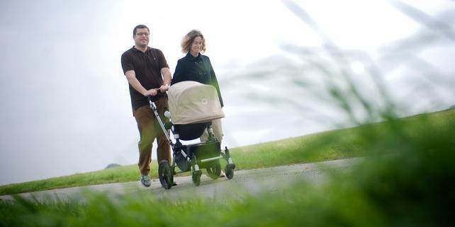 Mann, Frau, Kinderwagen, Eltern