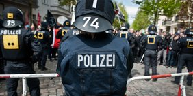 Polizist auf Demonstration