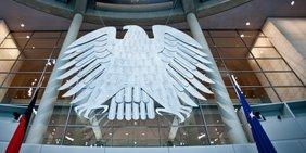 Bundesadler im Bundestag