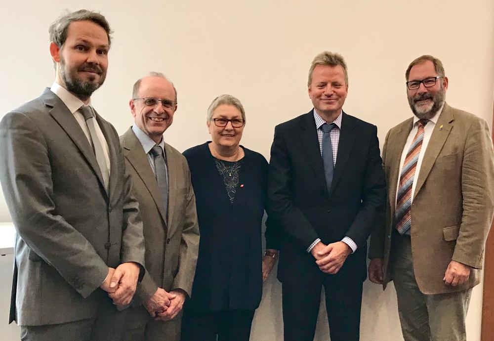 Gruppenfoto: DGB und Gewerkschaften beim Beteiligungsgespräch im BMI