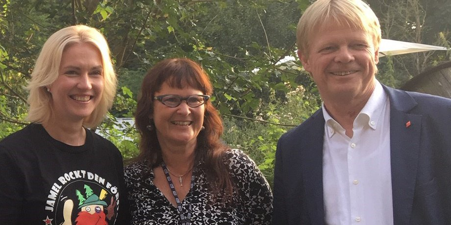 """""""Jamel rockt den Fösrter""""-Organisatorin Birgit Lohmeyer mit Manuela Schwesig und DGB-Chef Reiner Hoffmann.x"""
