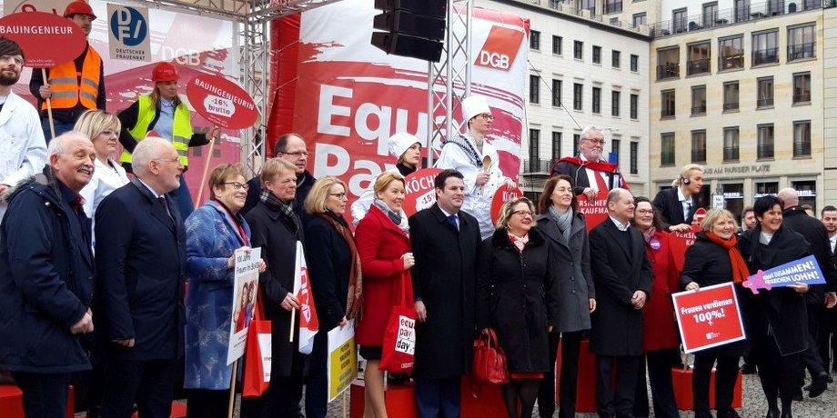 Gruppenfoto beim Equal Pay 2019