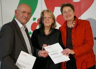 Professor Rolf Rosenbrock, Wissenschaftszentrum für Sozialforschung (WZB), NRW-MInisterpräsidentin Hannelore Kraft und DGB-Vorstandsmitglied Annelie Buntenbach (von links nach rechts)
