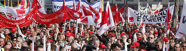 Gewerkschaftsdemonstration des öffentlichen Dienstes auf dem Heumarkt in Köln