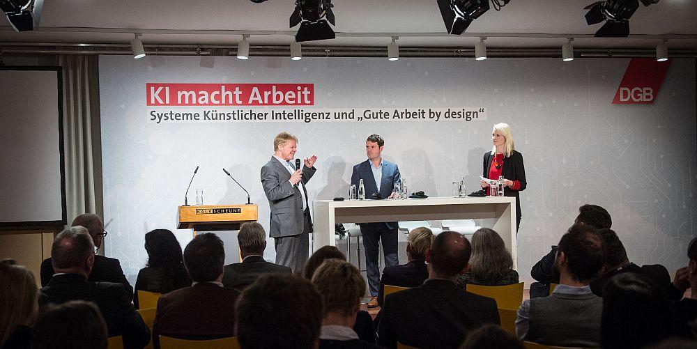 Bühne bei der Veranstaltung KI macht Arbeit am 15.1.2019 in der Kalkscheune Berlin
