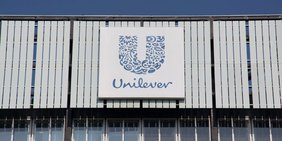 Außenansicht Firmengebäude Unileverin Rotterdam