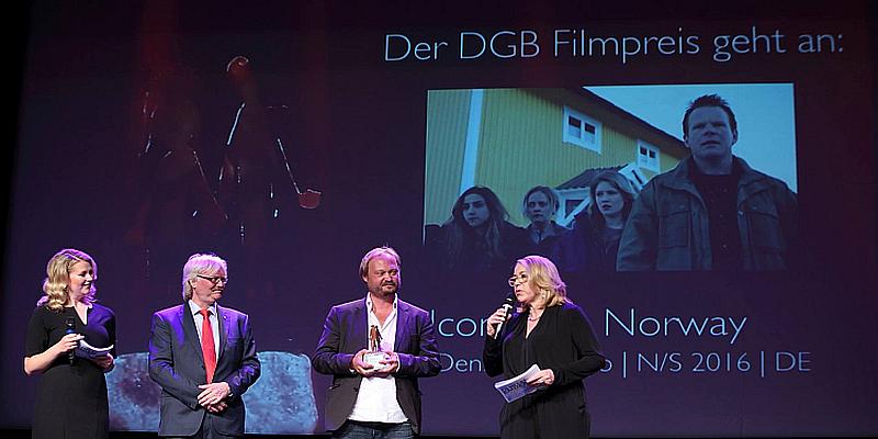 Auf der Bühne Verleihung DGB Filmpreis 2016 in Emden