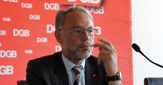Dietmar Hexel beim Pressegespräch zur Vorstellung des Positionspapiers zur Energiewende