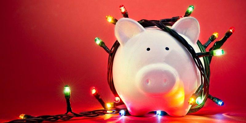 Sparschwein mit Lichterkette