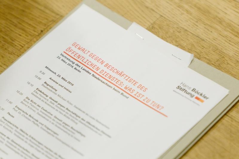 """DGB-Tagung """"Gewalt gegen Beschäftigte im Öffentlichen Dienst"""""""