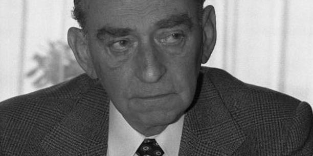 Portrait des DGB-Vorsitzenden Ludwig Rosenberg (Vorsitzender 1962-1969; Schwarz-Weiß-Foto)