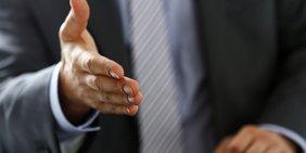 Nahaufnahme Hand eines Geschäftsmanns