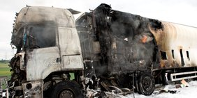 Lkw-Unfall / ausgebrannter Lkw