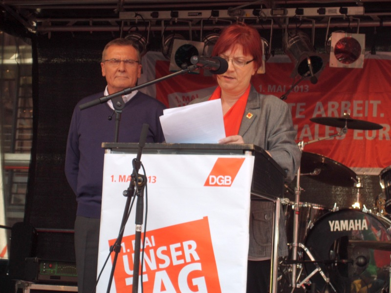 Bertin Eichler und Annette Düring auf dem Podium