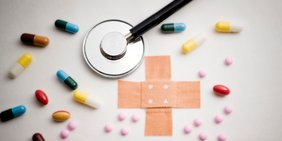 Pflaster und Pillen