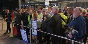 Aktion von Ryanair-Beschäftigten beim Deutschen Betriebsrätetag 2018 in Bonn