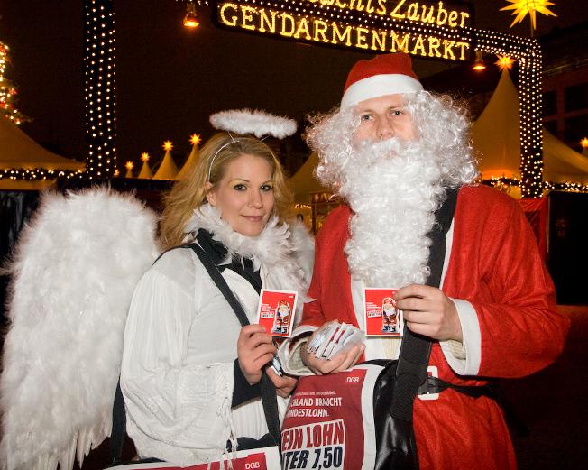 Mindestlohngrüße auf dem Weihnachtsmarkt am Gendarmenmarkt in Berlin 2008
