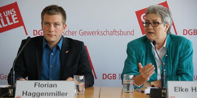 Florian Haggemiller und Elke Hannack bei der Pressekonferenz