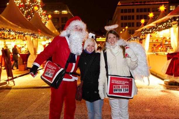 Mindestlohnaktion zur Weihnachtszeit in Berliln