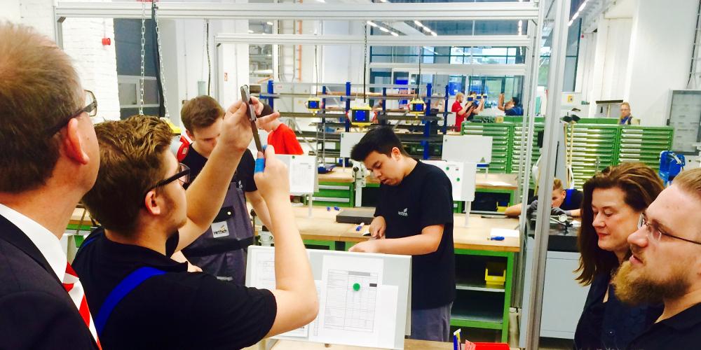 Woche der Industrie 2016: DGB und BDA in Berliner Ausbildungsstätten