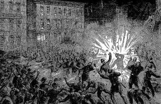 Zeitgenössische Buchillustration der Explosion auf dem Haymarket in Chicago