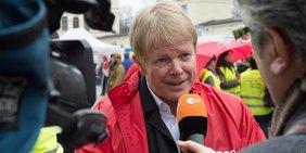 DGB Vorsitzender Reiner Hoffmann im Interview mit dem ZDF
