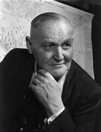 Portrait von Hans Boeckler. Böckler in Denkerpose. Blick nach rechts.