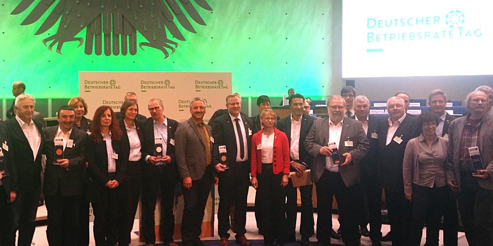 Gruppenbild der Gewinnerinnen und Gewinner des Deutschen Betriebsräte-Preises 2016