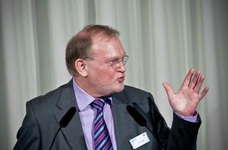 Erhard Ott, Bundesvorstandsmitglied von ver.di und Fachbereichsleiter Ver- und Entsorgung
