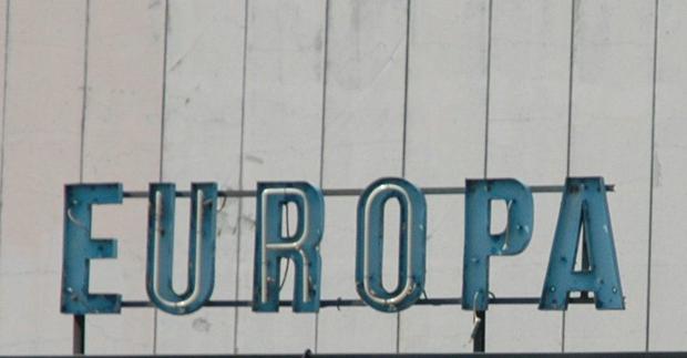 Klapprige Europa-Buchstaben