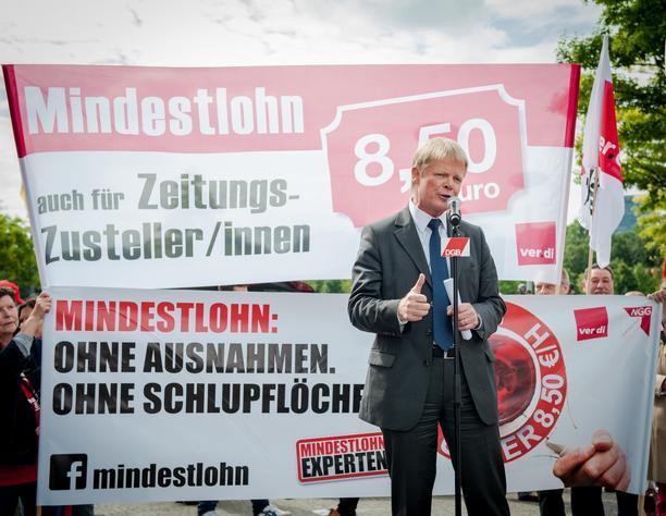 Reiner Hoffmann auf der Kundgebung zum Mindestlohn