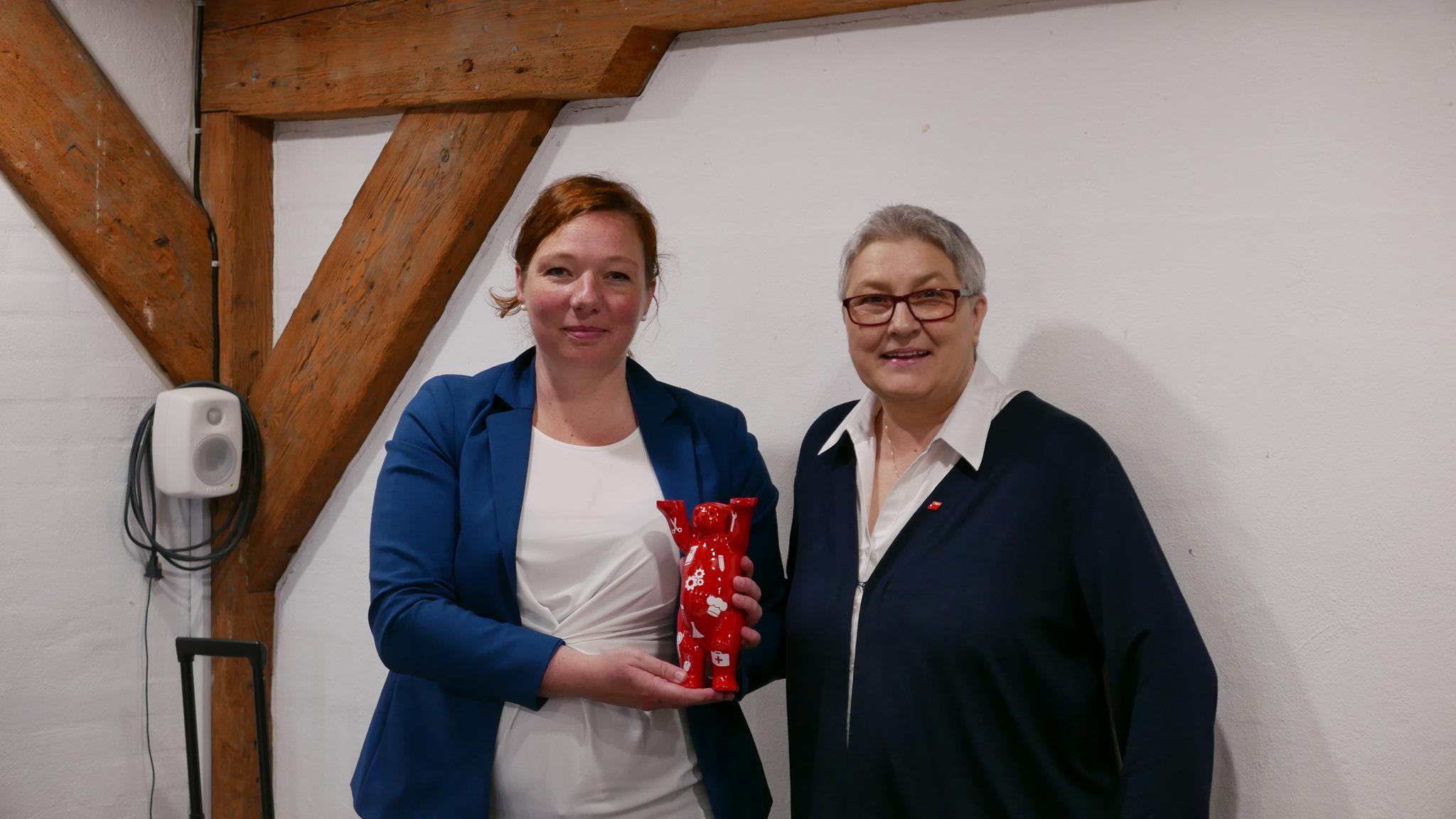 Elke Hannack und Lone Skak-Nørskov, Botschaftsrätin für Digitalisierung