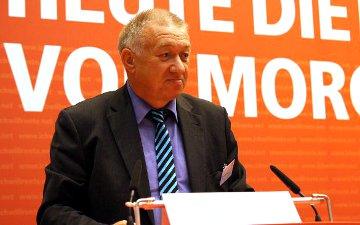 Prof. Dr. Gustav Horn bei einer Veranstaltung des DGB