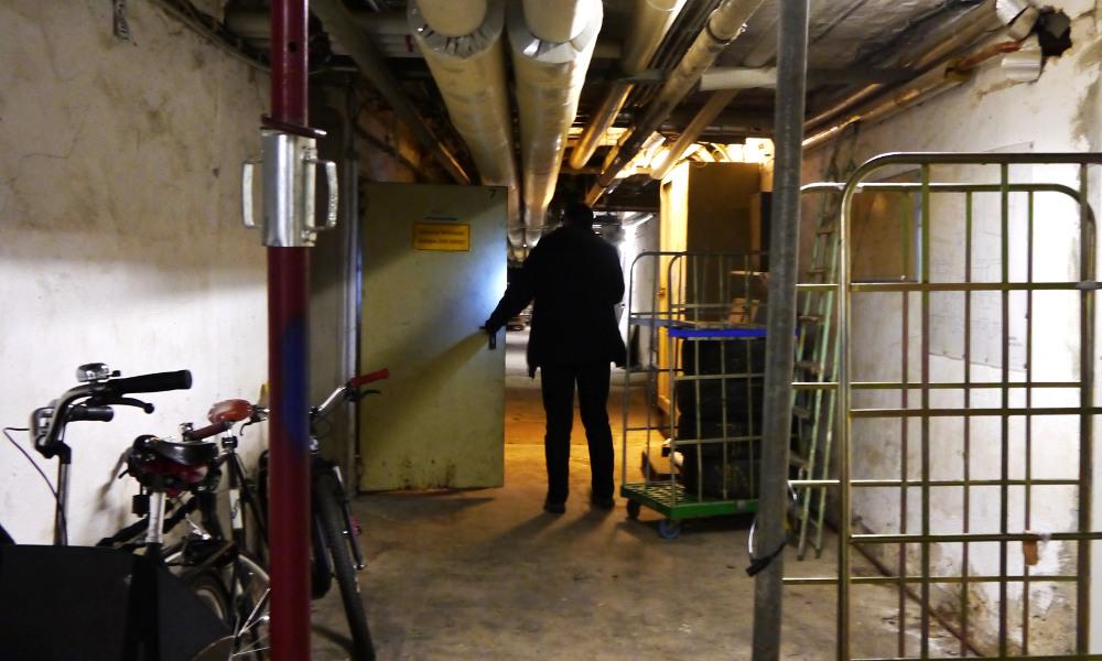 Korridor mit Fahrrad