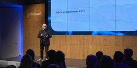Oliver Suchy auf der Konferenz Explained von Microsoft