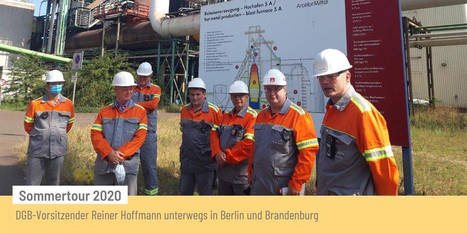 DGB-Vorsitzender Reiner Hoffmann mit KollegInnen von Arcelor Mittal im Rahmen seiner Sommertour 2020