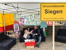 Regionsgeschäftsführer Ingo Degenhart gibt ein Interview in Siegen