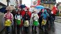 Die DGB-FRAUEN mit Trommeln an der Spitze des Demozuges am 1. Mai in Bad Kreuznach