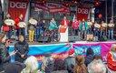Witich Roßmann spricht auf 1.-Mai-Kundgebung in Köln