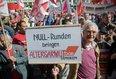 Zentrale DGB-Maikundgebung in Essen. Gewerkschaftssenioren demonstrieren gegen Nullrunden bei der Rente