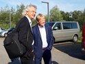 DGB-Chef Reiner Hoffmann und Vizevorsitzender DGB Bezirk Nord Ingo Schlüter vor dem Termin bei Fraunhofer der Sommertour 2019