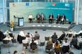 Podiumsdiskussion beim L20 Gewerkschaftsgipfel in Berlin